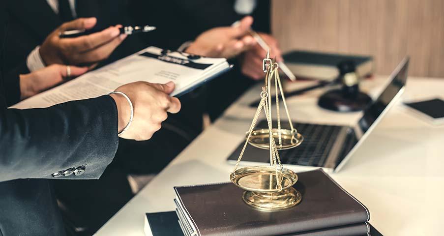 Vad gör en advokat?
